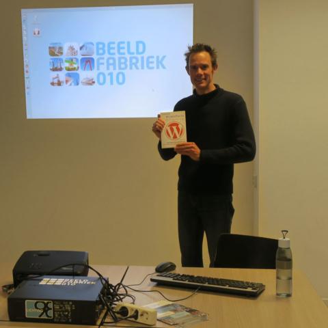 WordPress basiscursus - Nils met WordPress boek